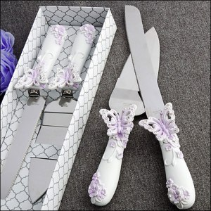 white-and-lilac-butterfly-cake-server