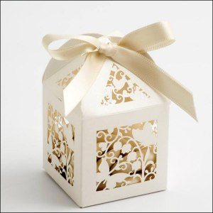 ivory-butterfly-filigree-favour-box
