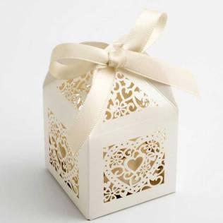 ivory-heart-filigree-favour-box